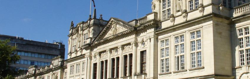Cardiff_University_main_building